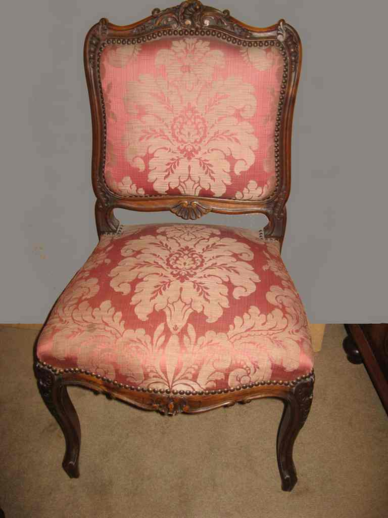 Elegant 19th century walnut French salon chairs. - Elegant 19th Century Walnut French Salon Chairs. - Antiques