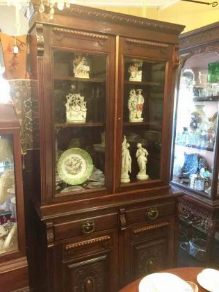 Antique_bookcase_circa_1890